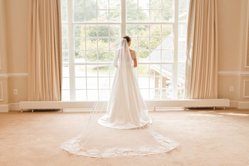 Renee Nicolo Photography photographs bridal portrait in Lafayette Hill PA
