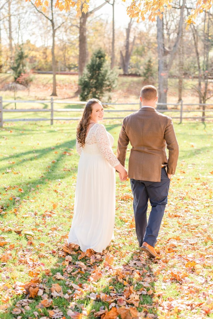 fall Duportail House wedding photos with PA wedding photographer Renee Nicolo Photography
