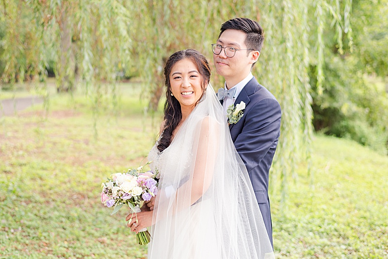 willow tree wedding portraits at Cooper Pond Park