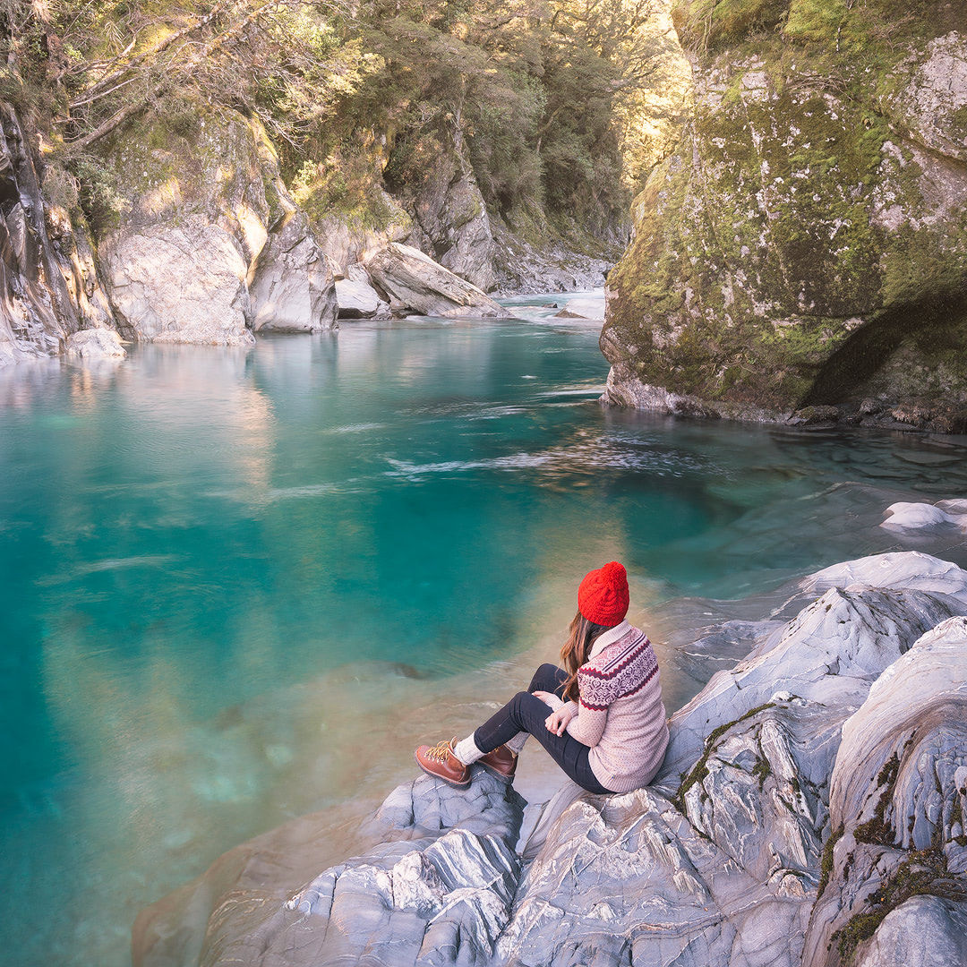 12 MUST SEE PLACES ON THE SOUTH ISLAND OF NEW ZEALAND - BLUE POOLS MT ASPIRING WANAKA