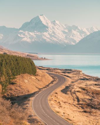 12 MUST SEE PLACES ON THE SOUTH ISLAND OF NEW ZEALAND - PETERS LOOKOUT MT COOK LAKE PUKAKI