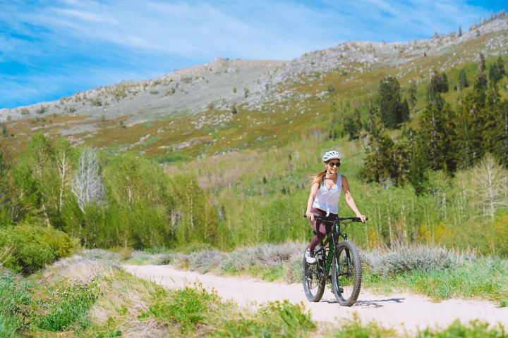 The-Ultimate-Adventure-Getaway-to-Reno-and-Lake-Tahoe-Flume-Trail-Renee-Roaming-02