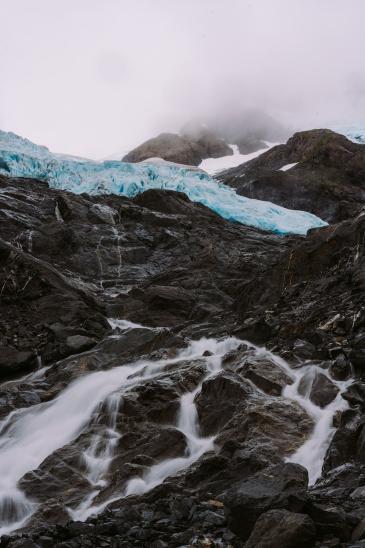 5-Epic-Alaska-Hiking-&-Backpacking-Adventures-Byron-Glacier5-ReneeRoaming