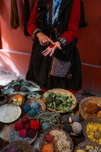 Best-Things-To-Do-In-And-Around-Cusco-Peru-Chinchero-Markets02