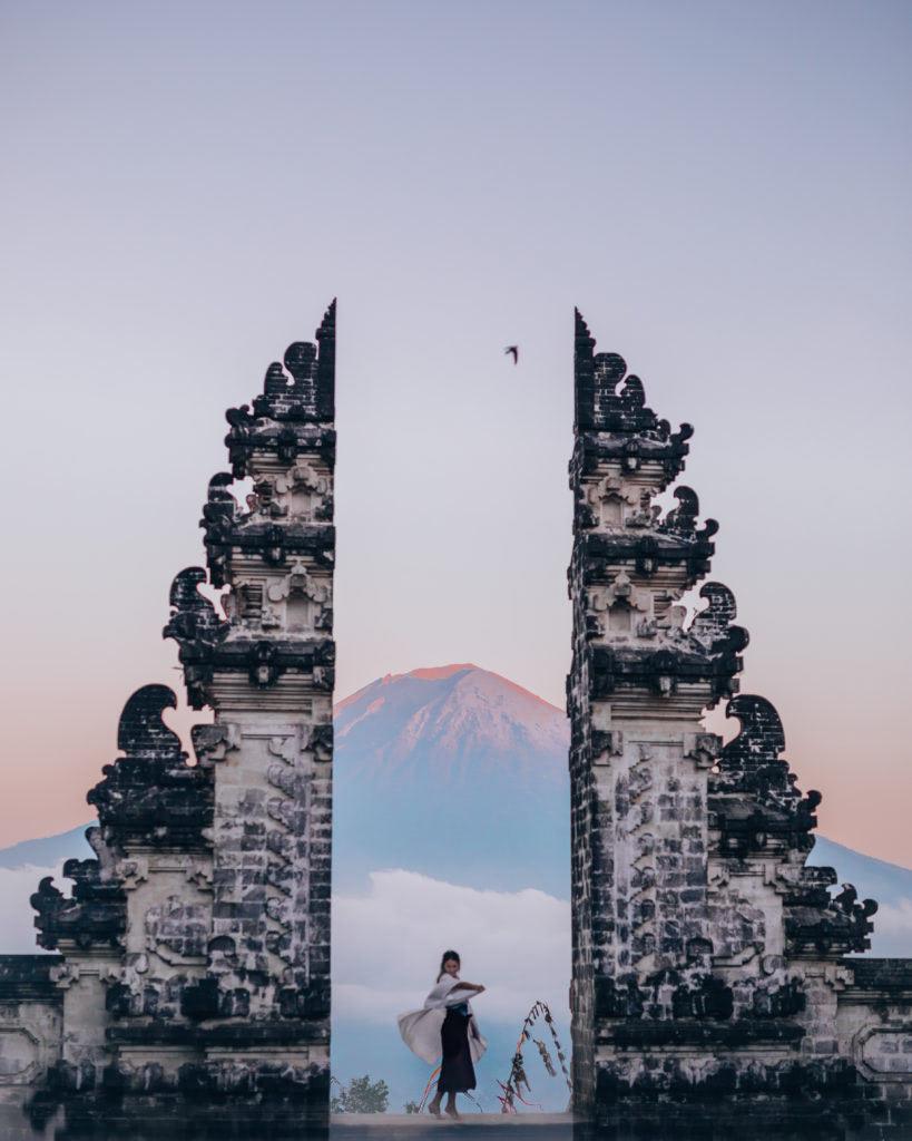 Tips For Taking Incredible Travel Selfies How To Look Less Awkward ReneeRoaming WhereTFisLena Bali