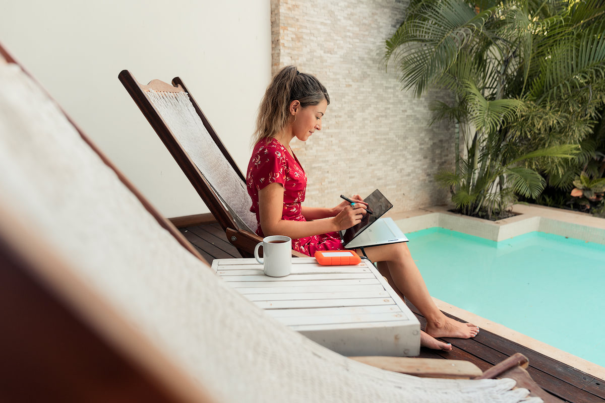 My Photo Editing Set-Up When Home VS Traveling Gear and Tips Renee Roaming Poolside 2