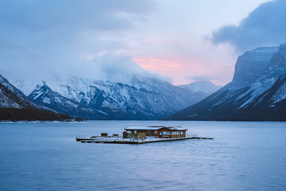 Planning a Trip toBanffin Winter - Lake Minnewanka 2 -Renee Roaming