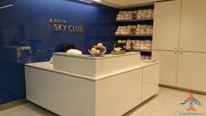 Delta Sky Club E Concorse Atlanta ATL review RenesPoints blog (27)