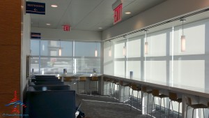 Delta Sky Club NYC New York City T4 JFK Review Renes Points blog (14)