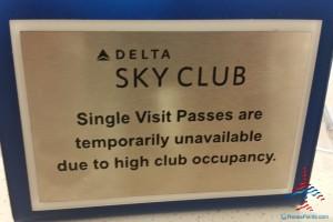 crowded main msp delta sky club renespoints blog (1)