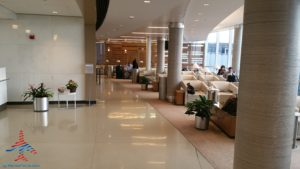 Review American Airlines Admirals Club ORD T3 near G gates RenesPoints blog review (5)