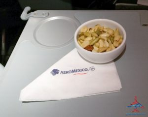 AeroMexico Skyteam 737-800 business class seat review and dinner RenesPoints travel blog (9)