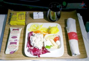 Delta Air Lines 1st class domstic meal regional jet Cold Chicken Salad RenesPoints travel blog review