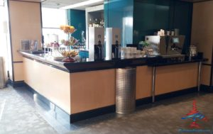 Delta Sky Club EWR Newark Liberty International Airport RenesPoints blog review (15)