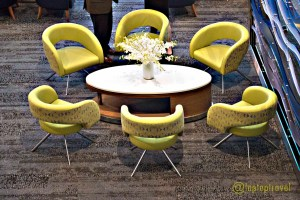 four-green-chairs-table-set-delta-seatac-skyclub-terminal-a-seattle-airport