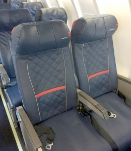 delta-crj200-with-comfort-plus-seat-leather-renespoints-travel-blog-at-boardingarea