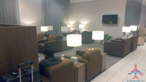klm-crown-lounge-iah-houston-airport-renespoints-blog-review-priority-pass-skyteam-lounge-17