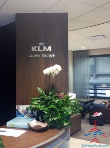 klm-crown-lounge-iah-houston-airport-renespoints-blog-review-priority-pass-skyteam-lounge-2