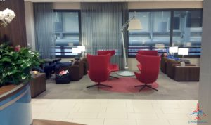 klm-crown-lounge-iah-houston-airport-renespoints-blog-review-priority-pass-skyteam-lounge-3