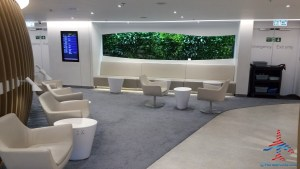 skyteam-delta-lounge-hkg-hong-kong-international-airport-review-renespoints-travel-blog-17