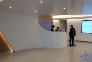 skyteam-delta-lounge-hkg-hong-kong-international-airport-review-renespoints-travel-blog-2