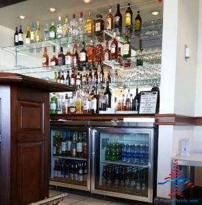 the-club-at-phx-review-phoenix-sky-harbor-international-airport-renespoints-travel-blog-10