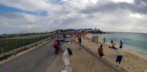 jet blast onto beach at sxm