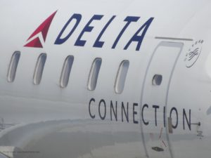 Delta Connection high rez photo RenesPoints
