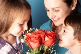 0 0 heart mothersday_shutterstock_167778515 (74)