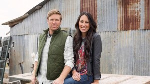 Fixer Upper Stars Chip And Joanna Gaines To Return To TV