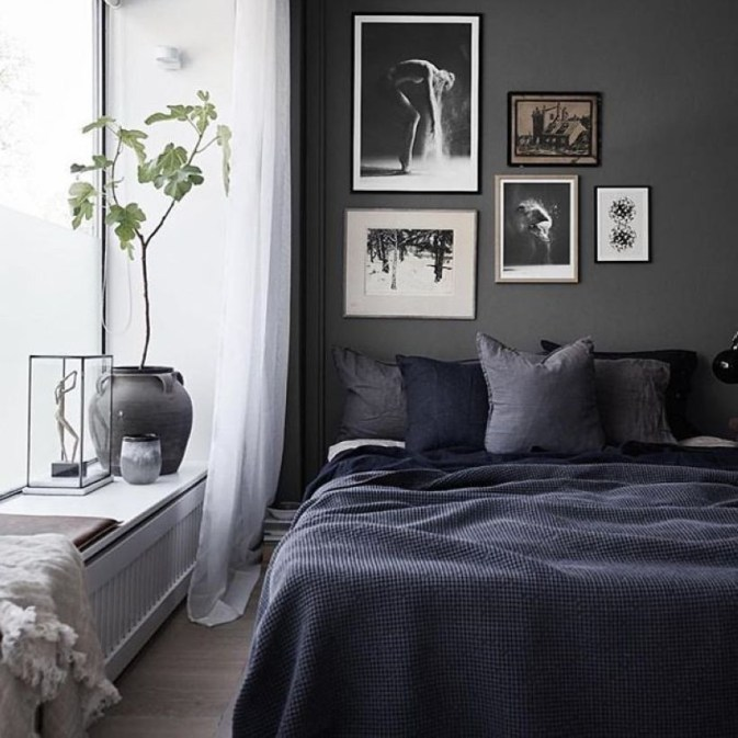 Cozy Bedroom Ideas For Your Tiny Apartment 24