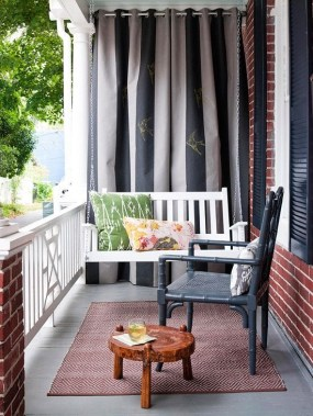 Creative Yet Simple Balcony Decor Ideas For Apartement17