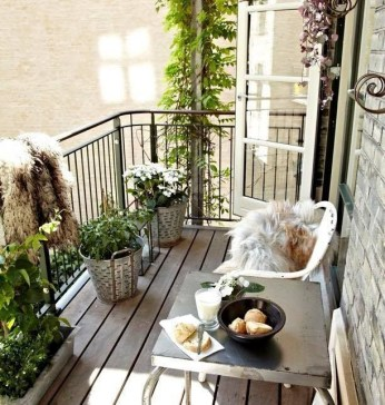 Creative Yet Simple Balcony Decor Ideas For Apartement38