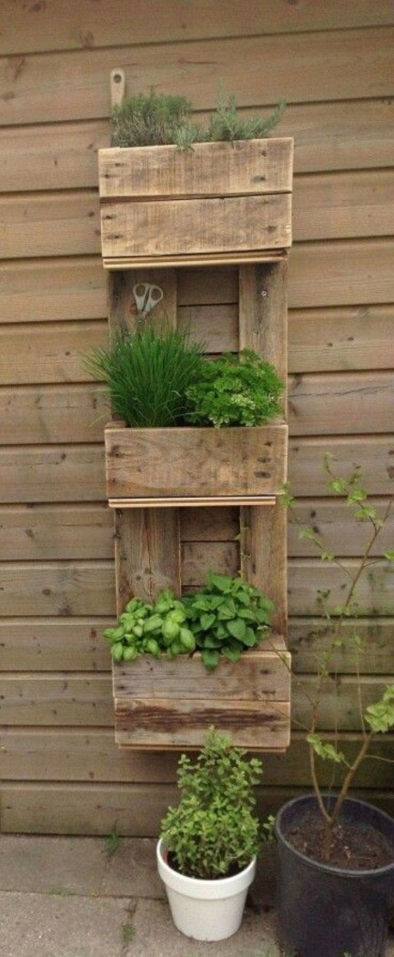 Easy DIY Ideas For Old Pallet Wood 46