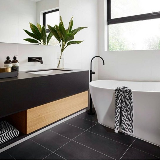 Lovely House Plants In The Bathroom19
