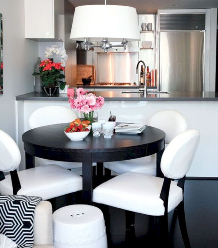 Small Apartment Decorating Ideas On a Budget 18