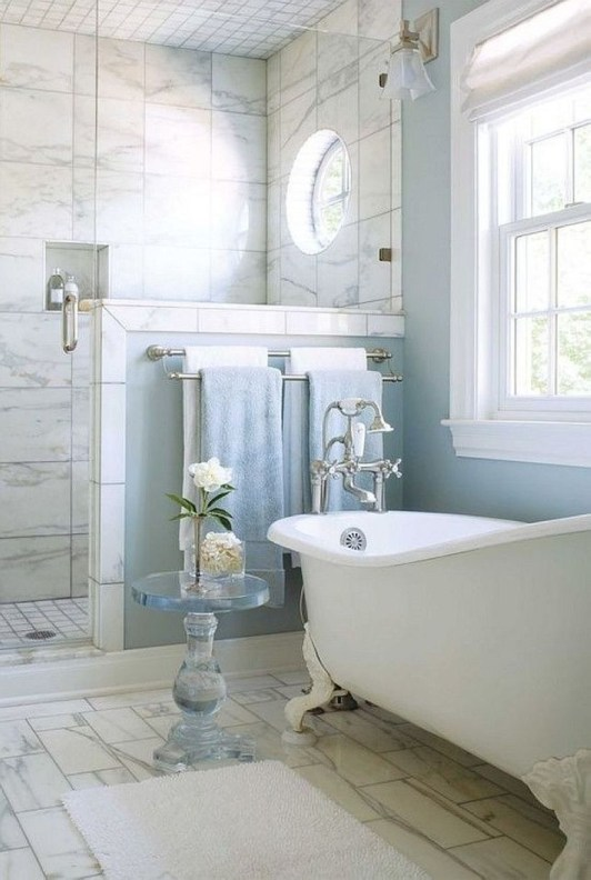Small Bathroom Makeovers That Give Us Hope 26
