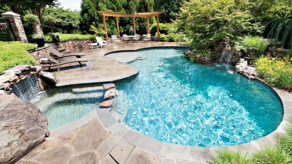Style Swimming Pool With Natural Stone Tiles 08