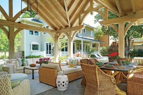 Ways To Create A Relaxing Porch For Big Family 27