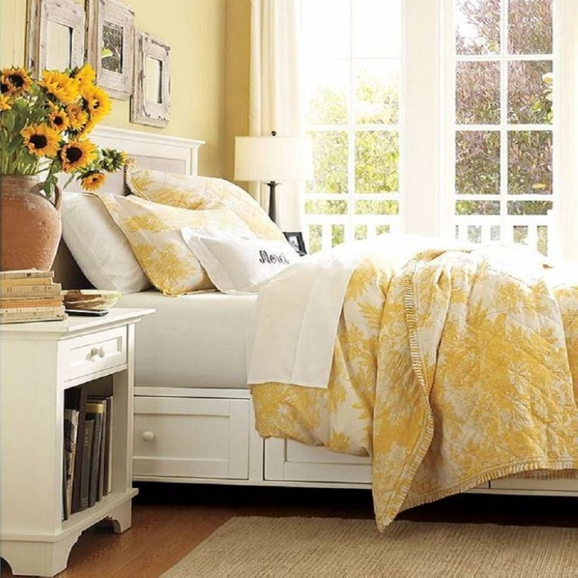 Yellow Bedroom For Your Child's Room Idea To Sleep Feels Warm 27