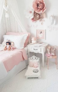 Check And Try Wall Decor In Your Daughter Bedroom 28