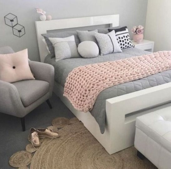 Cozy Teen Bedroom Decoration On Pink Style 26