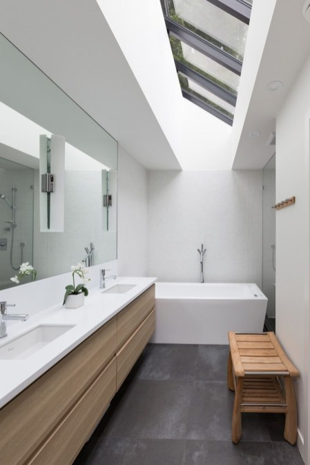Beautiful Modern Bathroom Design You Can Try 37