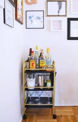 DIY Decorating Idea For First Apartment 30