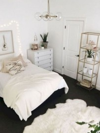 DIY Decorating Idea For First Apartment 34