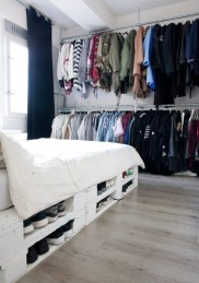 DIY Pallet For Bed Place For Your Idea 19