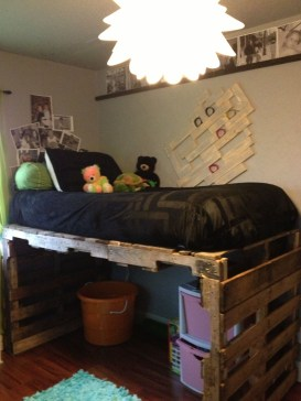 DIY Pallet For Bed Place For Your Idea 33