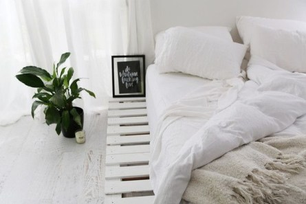 DIY Pallet For Bed Place For Your Idea 38