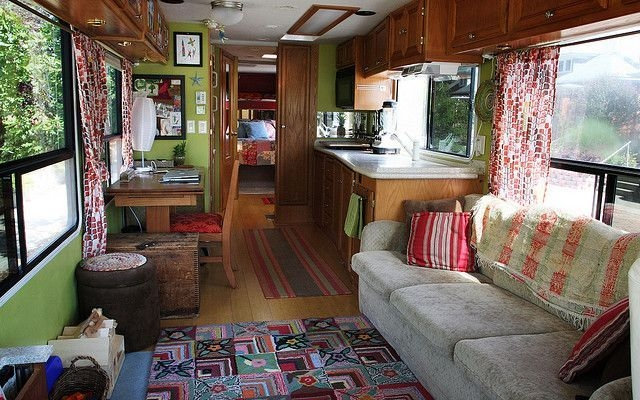 Easy Remodeling RV Decoration You Can Try 15