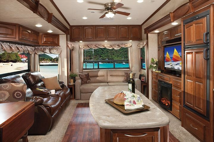 Easy Remodeling RV Decoration You Can Try 25